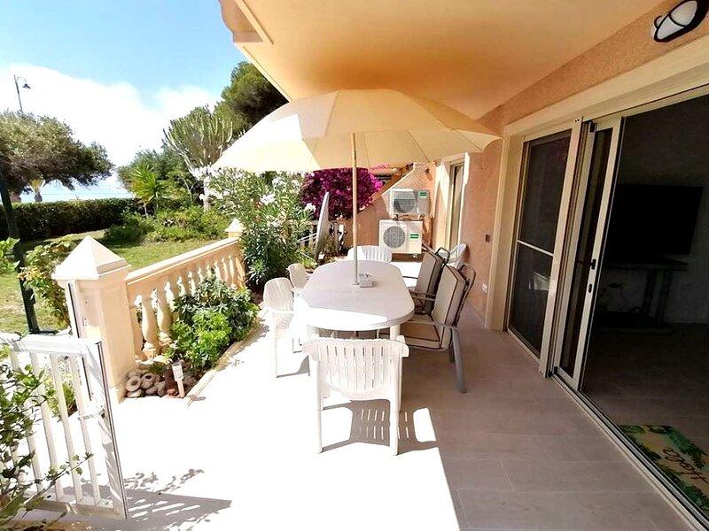Luxurious ground floor apartment, El Campello, holiday rental in Hoya de los Patos