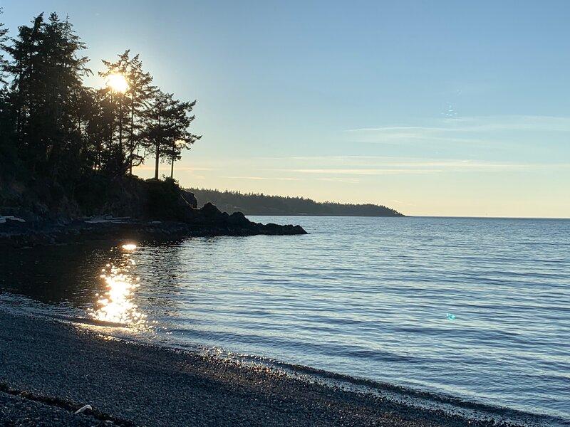 Seaside Getaway of Nanoose Bay, holiday rental in Lantzville