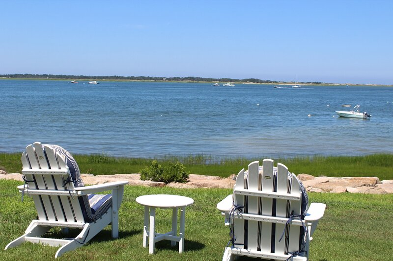 Ideal Waterfront Beach House on Barnstable Harbor; 155-Ba, vacation rental in Yarmouth Port