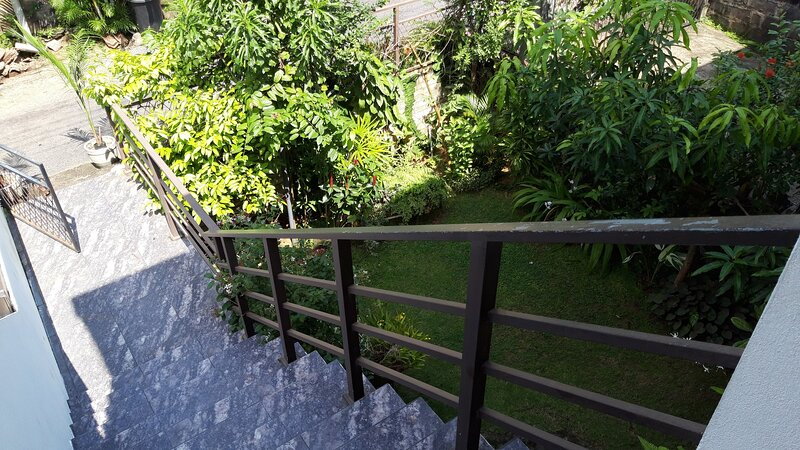 Pulls & Buts Home stay, holiday rental in Malabe