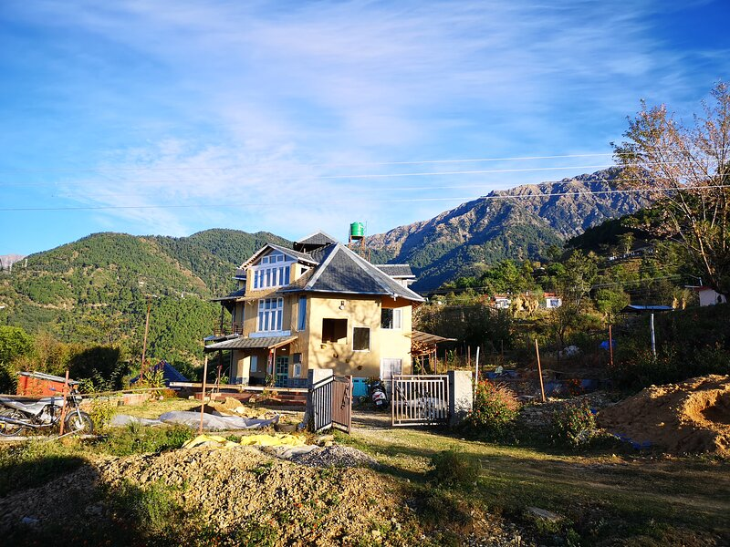 Ira's Hideaway(Suite with sunset veiw), vacation rental in Multhan
