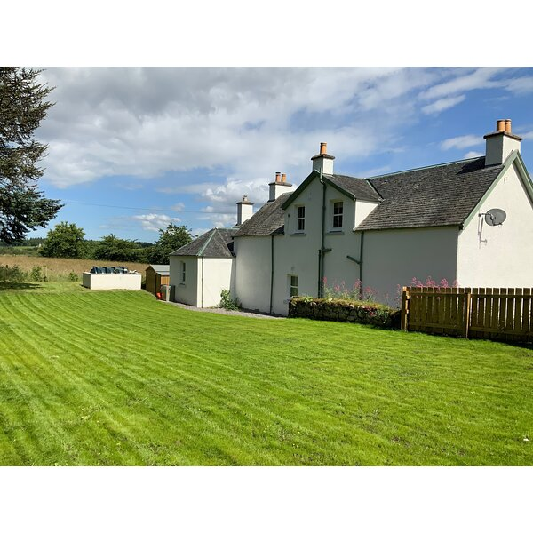 Balmore Farmhouse, holiday rental in Dores