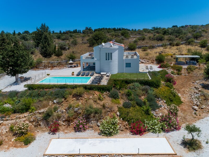 Luxury Villa with Private Pool and Jacuzzi -  Totally Privacy and Amazing Views, holiday rental in Vamos
