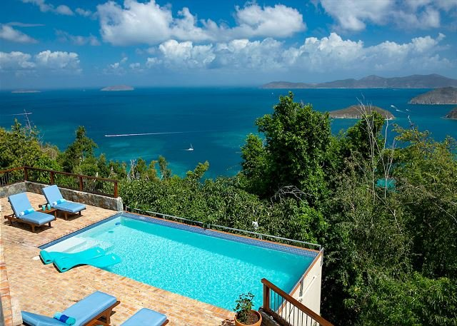 Mango Bay: Amazing North Shore Views!, vakantiewoning in Hawksnest Bay