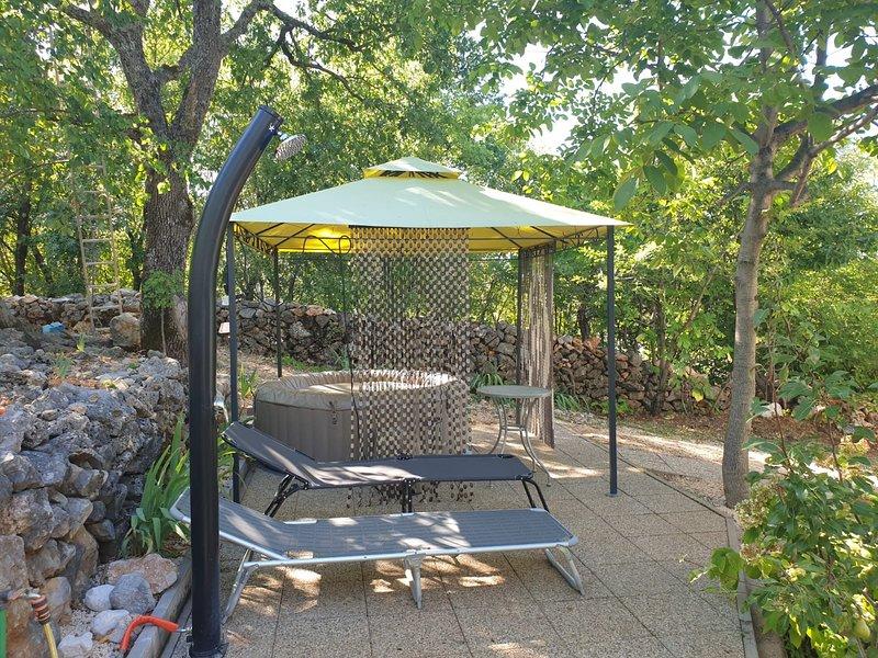 Holiday house near the sea and the lakes - Explore Dalmatia, vacation rental in Imotski