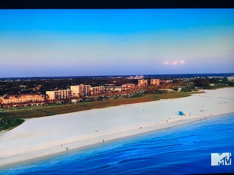 'Siesta Key' episode with Crescent Royale condominiums in the background.
