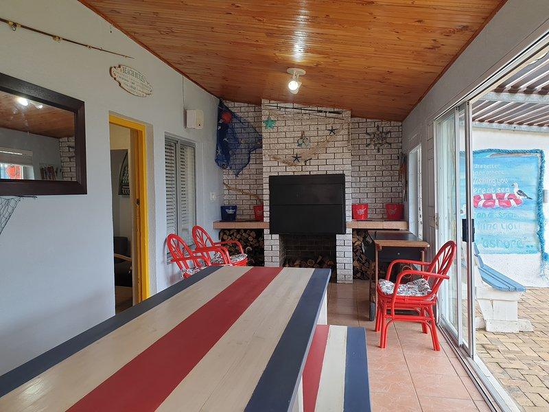Fisherman's Cottage - Quirky, Fun andOn the Beach!, location de vacances à Grabouw