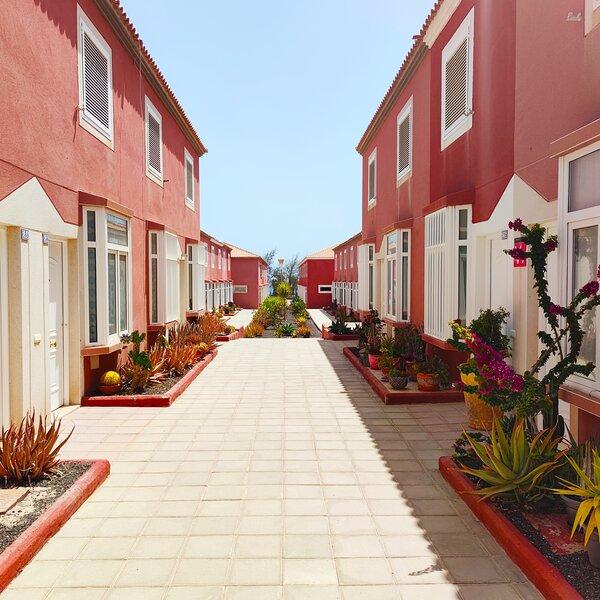 DUPLEX 'COSTA GOLF', pool, big private terrace, free wi-fi and tvSAT, vacation rental in Nuevo Horizonte