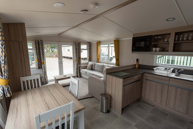 The Dram Van - Beautiful, luxury static caravan, casa vacanza a Archiestown