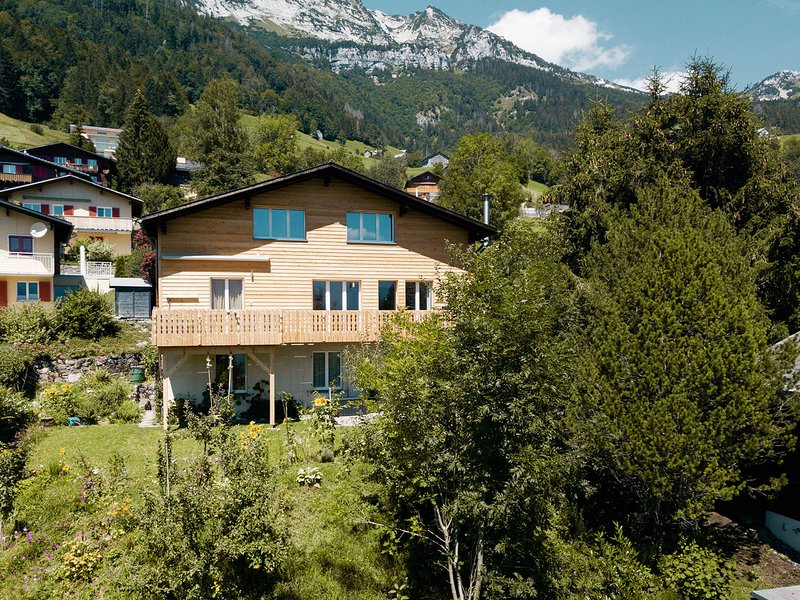 Chalet Arunachala, alquiler vacacional en Reichenburg