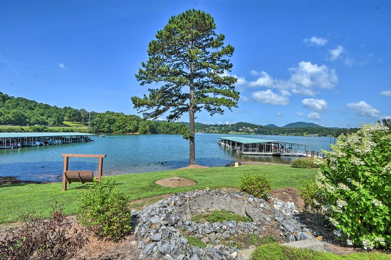 NEW! Hiawassee Haven on Lake Chatuge w/ Boat Slip, aluguéis de temporada em Warne