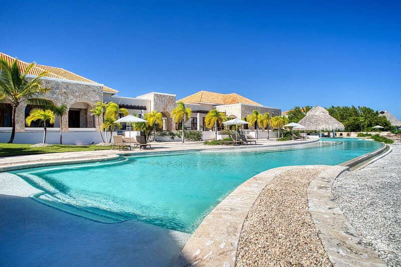 Beautiful Apartment With Ocean View And Close To The Beach, holiday rental in Cap Cana