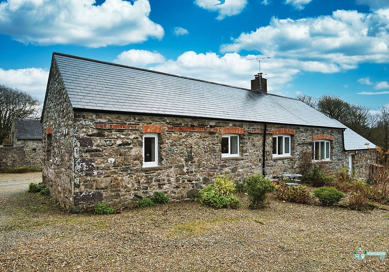 Mill House Cottage, Solva, vacation rental in Trefin