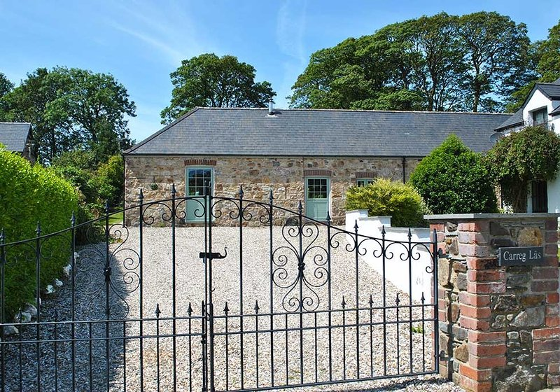 Carreg Las Barn, Brimaston, holiday rental in Letterston