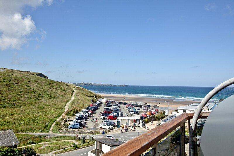 21 Waves, Watergate Bay - A stunning one bed apartment with sea views, location de vacances à St. Mawgan