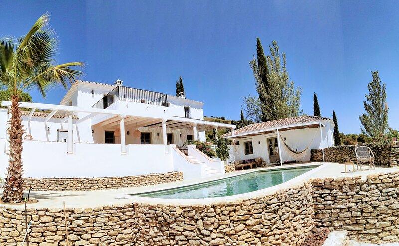 Exclusive historic Villa in the heart of Andalucian - La Villa Magdalena, alquiler de vacaciones en Setenil de las Bodegas