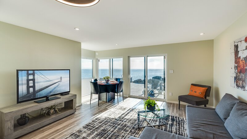 Otter Grotto 2 bed Suite - Oceanfront Relaxation, holiday rental in Lime Kiln