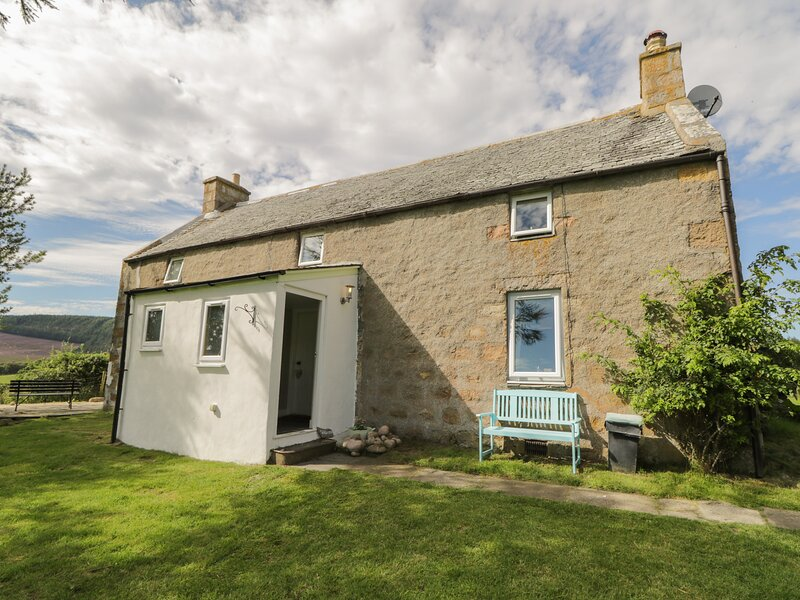 Tomachlaggan Cottage, Tomintoul, holiday rental in Tomintoul