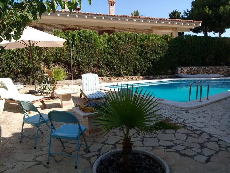 Villa Mindoro 2+2 BBQ Pool, holiday rental in Alcala de Xivert