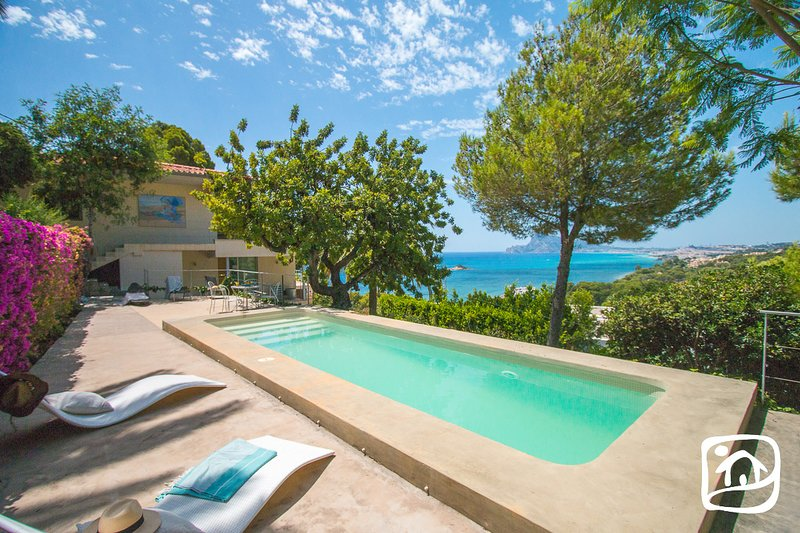 Altea la Vella Villa Sleeps 6 with Pool Air Con and Free WiFi - 5860096, Ferienwohnung in Altea la Vella