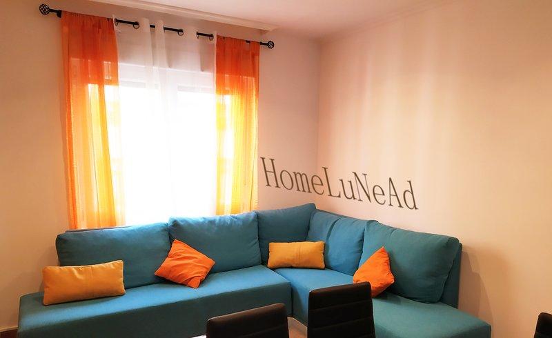 Homelunead Apartamento en Gijón Centro al lado Playa San Lorenzo, holiday rental in San Lorenzo