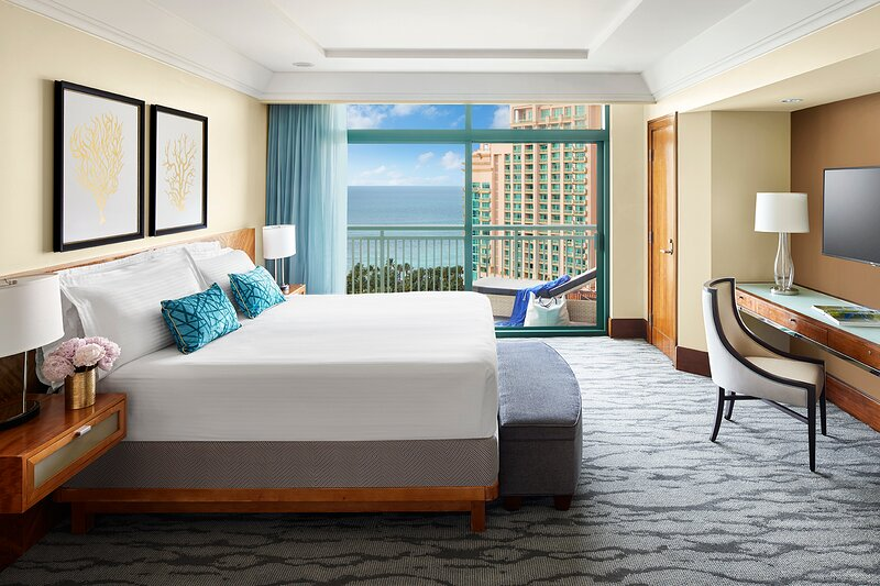 The Reef at Atlantis - One Bedroom Ocean View Suite, holiday rental in Paradise Island