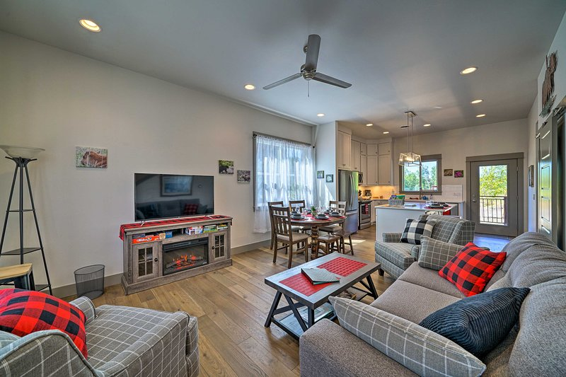 NEW! Bozeman Home - Walk to Fishing & Hot Springs!, holiday rental in Four Corners