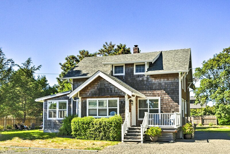 NEW! Comfort by the Coast: 10-Minute Walk to Beach, vacation rental in Gearhart