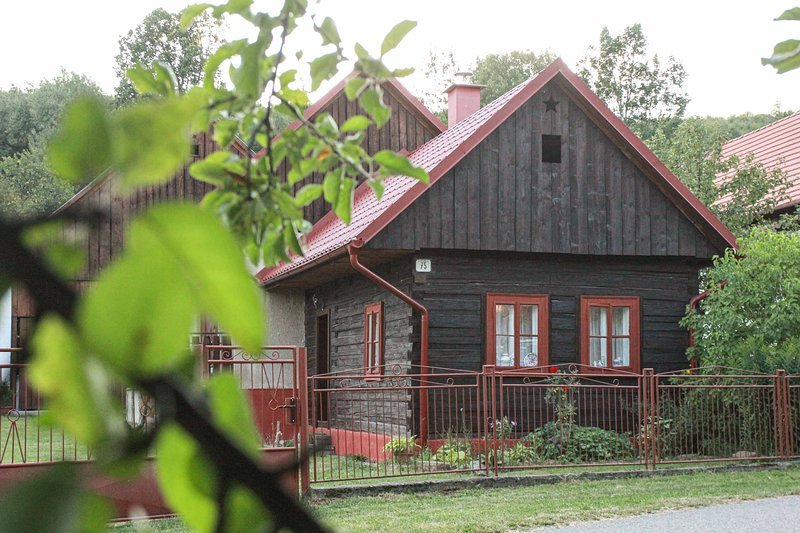 Wooden Log Cabin in Prosiek, holiday rental in Zilina Region