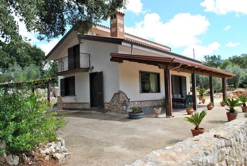 Villa Cycas sulla collina di Sperlonga, aluguéis de temporada em Sperlonga