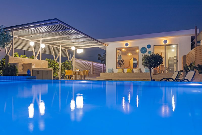 Villa Gaia Blue, holiday rental in Kolympia
