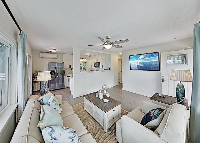Remodeled Maui Meadows Cottage: AC & Ocean Views - Near Beach, Golf & Dining, vacation rental in Haleakala National Park