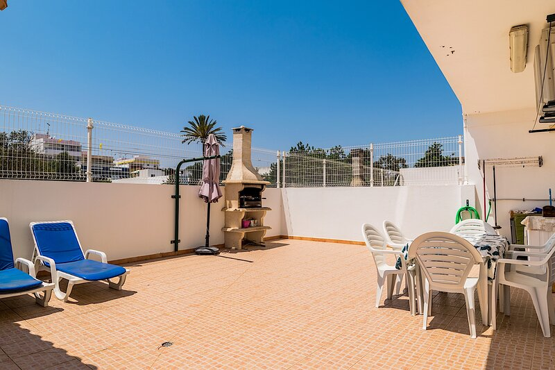 Calla Apartment, Fuseta, Algarve !New!, holiday rental in Fuseta