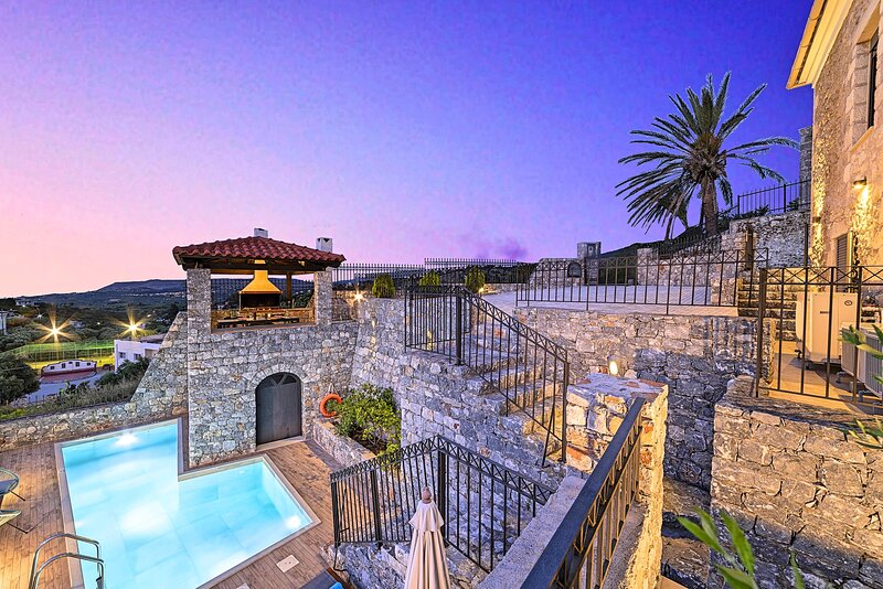 Acrothea Villa Private Pool, vacation rental in Argyroupolis