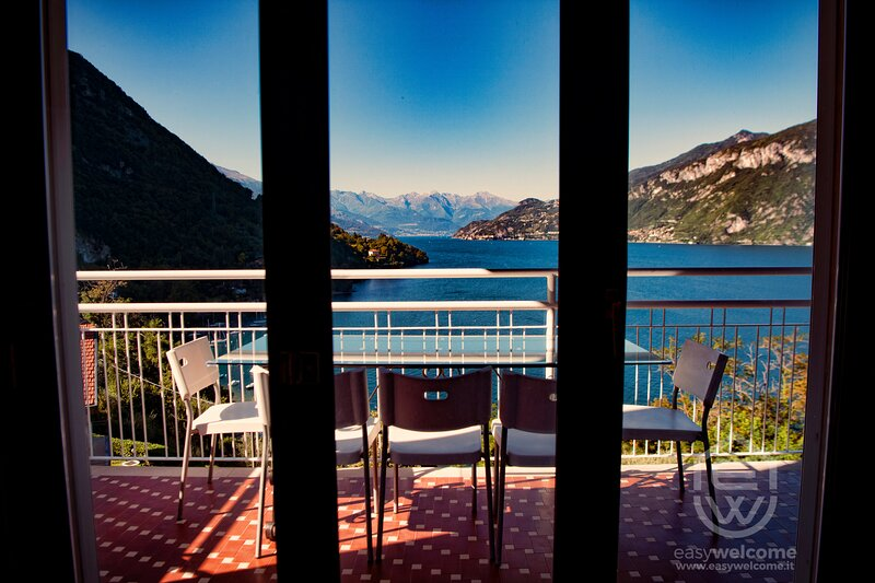 Easy Welcome Limonta Bay View nr1 the Star, casa vacanza a Limonta