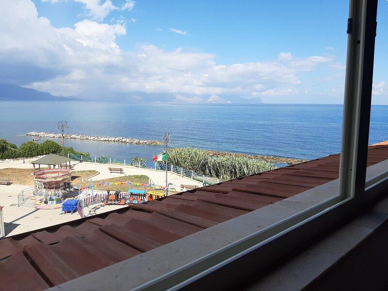 Mansarda sul mare, alquiler de vacaciones en Trappeto