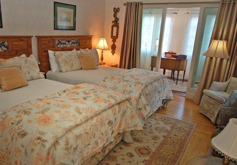 Elegant Room w/ Office in The Starkey Mansion, vakantiewoning in Denver
