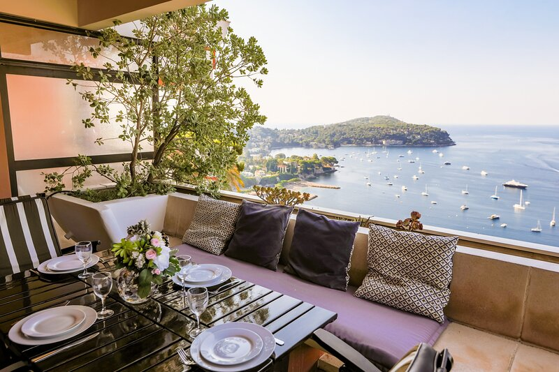LE CAP II AP2027 by RIVIERA HOLIDAY HOMES, vacation rental in Villefranche-sur-Mer