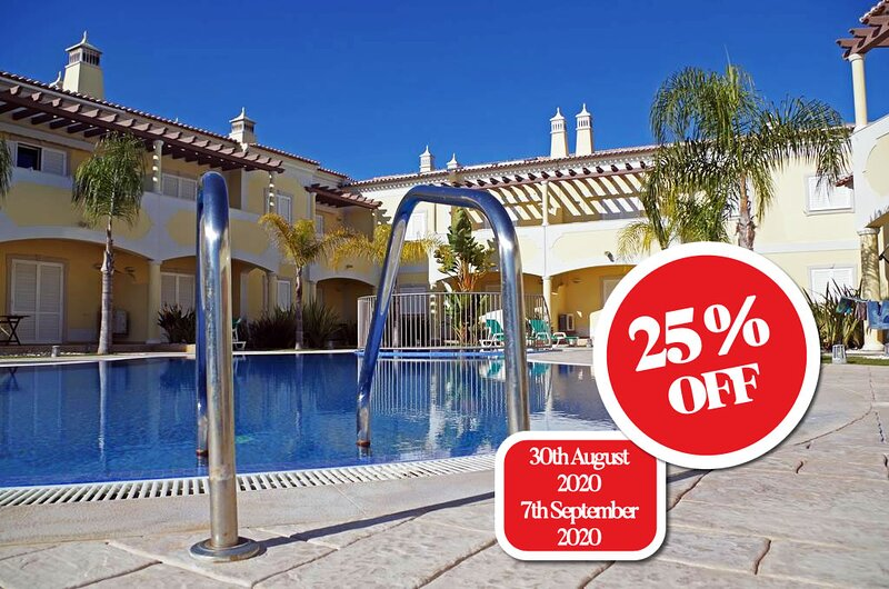 Holidays at Poolside - Free Wi-Fi, BBQ & Cable TV (Your children are for free!), holiday rental in Albufeira