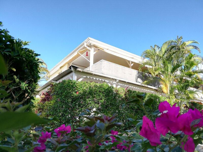 Logement Coton (bas de villa) jardin et piscine, alquiler de vacaciones en Le Francois