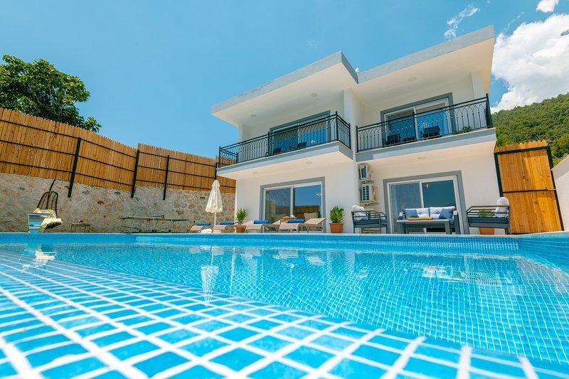 Villa Zeybek Evi  Luxury Private Rental Villa Turkey, Kalkan, casa vacanza a Islamlar