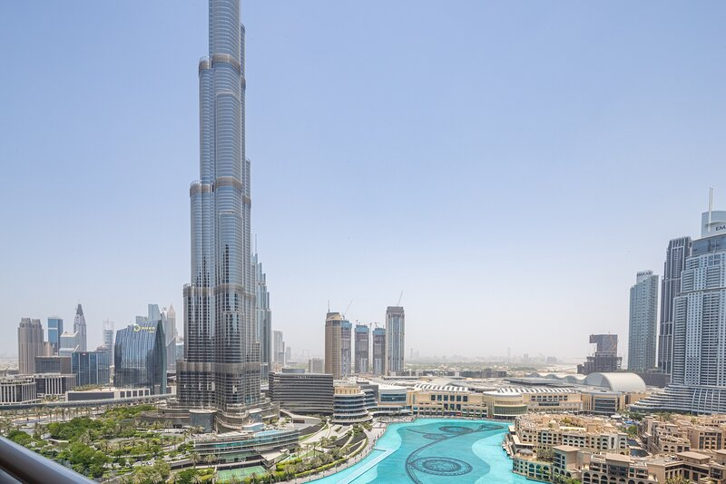 Stunning 2BR Apartment With Views Of Burj Khalifa, holiday rental in Hatta