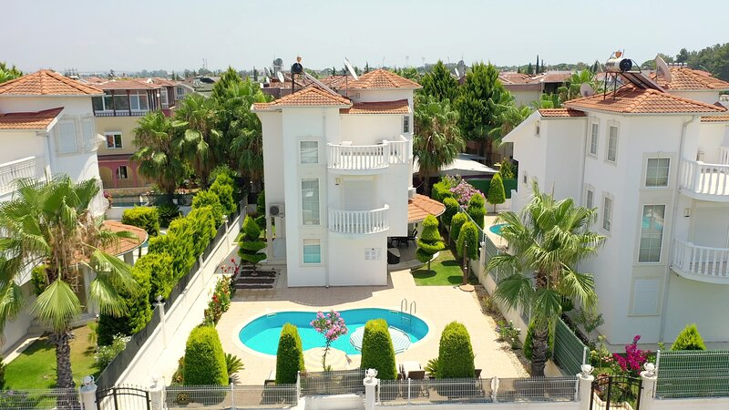 Sealight Liya 3 villa, aluguéis de temporada em Bogazkent
