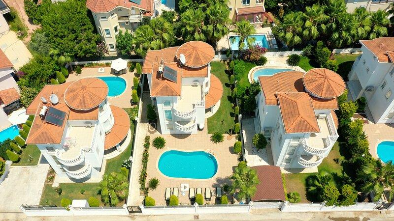 Sealight Liya 2 villa, aluguéis de temporada em Bogazkent