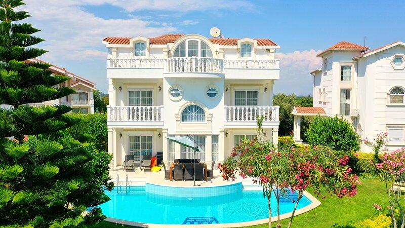 Sealight Helios 6 villa, holiday rental in Kadriye