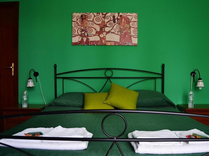 Camera Verde - Bb S Elia, holiday rental in Santa Caterina Villarmosa