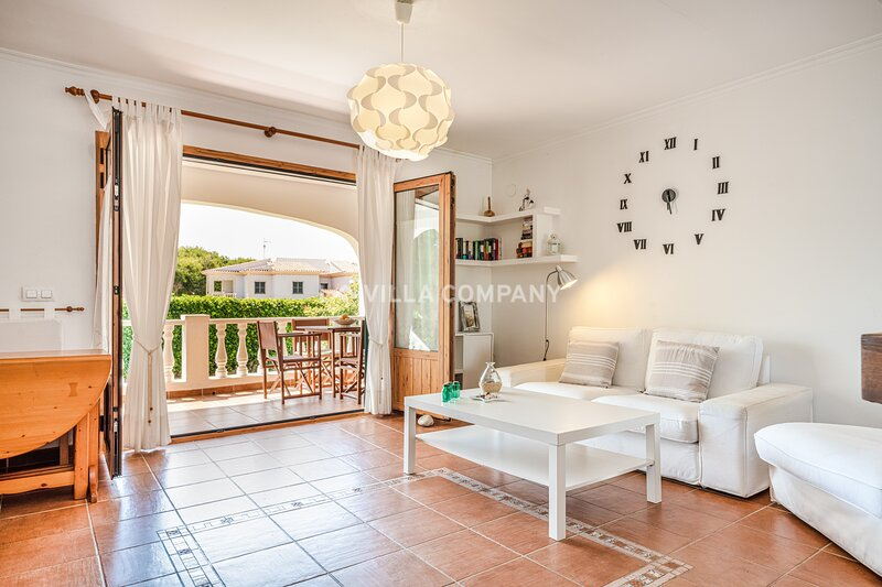 Lovely Apartment with Swimming Pool, Wifi, 5 minutes to the Beach, aluguéis de temporada em Arenal d'en Castell