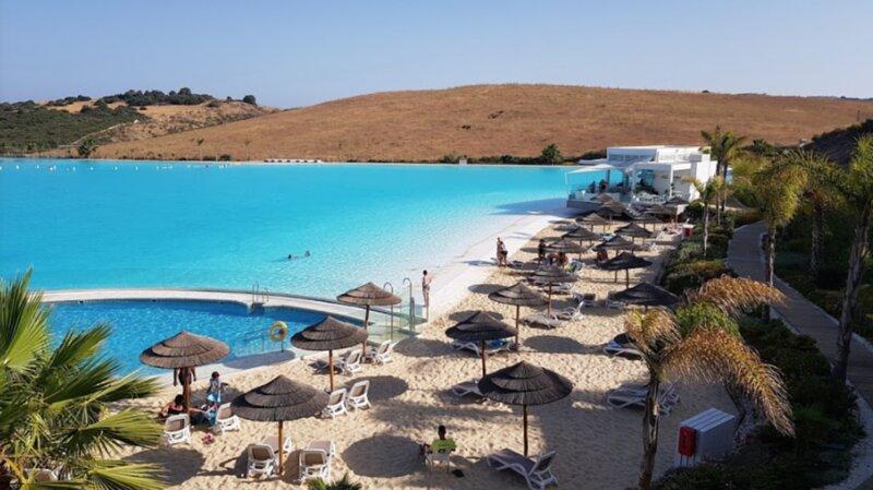 Perfect stay in a 2 bed brand new apartment in Alcazaba Lagoon, location de vacances à Casares del Sol