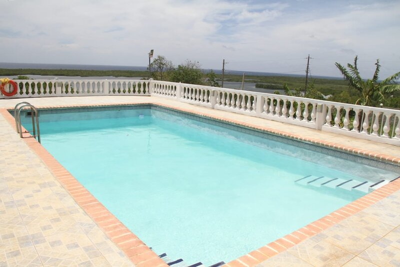 Point of View Villa Jamaica, vacation rental in Trelawny Parish