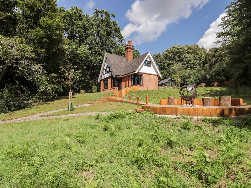 Baldwin's Hill Cottage, Loughton, casa vacanza a Broxbourne